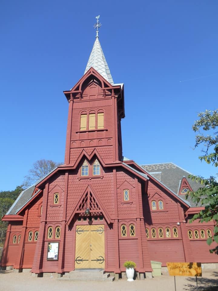 Hälleviksstrands kyrka Foto Bo Adriansson 2