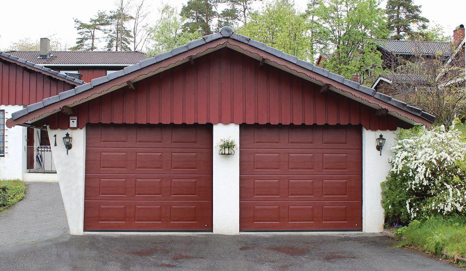 Garage Portexperten i Falköping röda portar