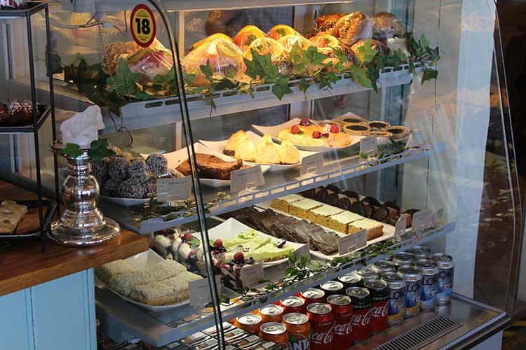 Mellomgårdens-Café-&-Gårdsbutik-Fika