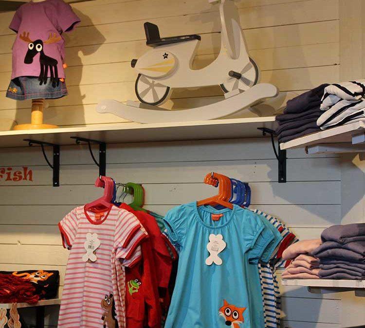 Mellomgårdens-Café-&-Gårdsbutik-barn-kläder