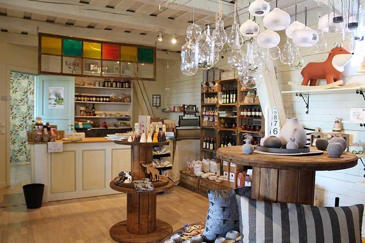 Mellomgårdens-Café-&-Gårdsbutik-gårds-butik
