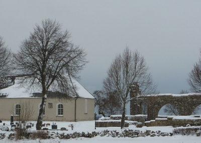 Gudhems-Kyrka-och-kloster-vinter