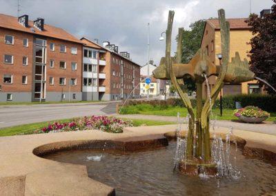 Brunn-med-fiskar-Falköping-(1)