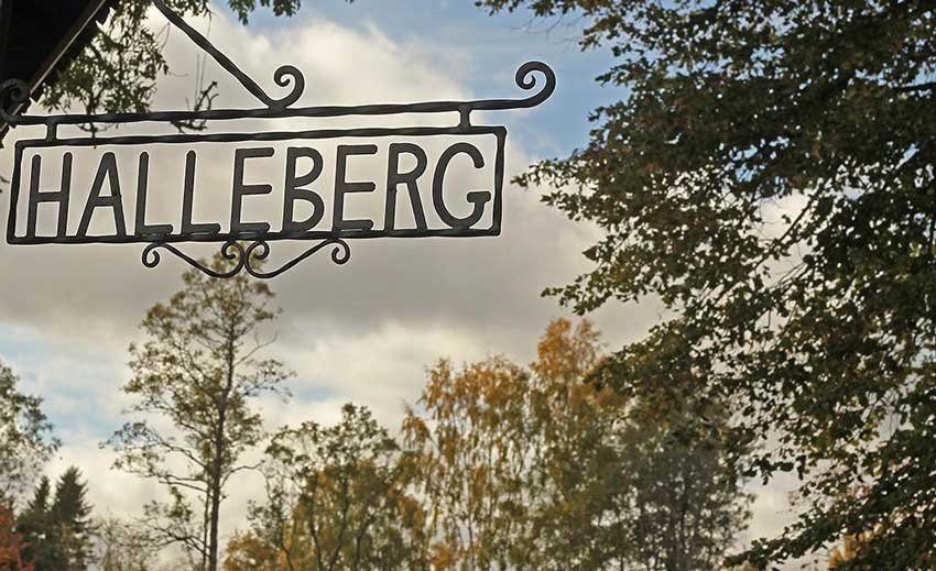 Hallebergs-Bed&Breakfast-gårds-skylt