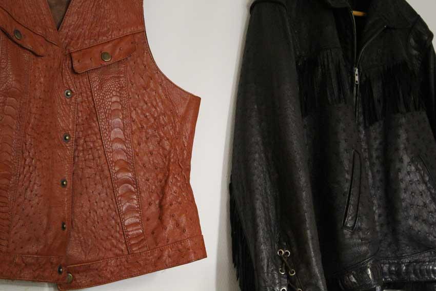 Falbygdens-Struts-Skinn-kläder
