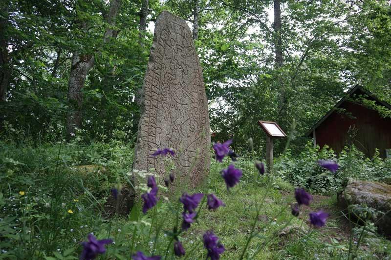 Olsbrostenen i Åsarp